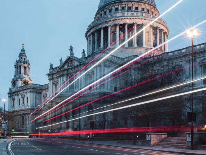 bus-stop-london-geoffroy-hauwen